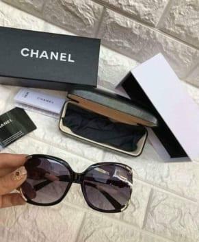 (Tiếng Việt) Kính Chanel